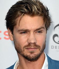 """Former """"One Tree Hill"""" star Chad Michael Murray is heading back to TV with a recurring part on Season 5 of #Southland. So yes, Lucas Scott and Ryan Atwood will be hanging out. #OTH"""
