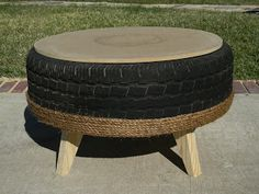 tire ottoman with a little more instruction. I have two old tires and this is my next project. Tire Furniture, Diy Furniture Projects, Diy Projects, Upcycled Home Decor, Recycled Crafts, Tire Ottoman, Home Fix, Old Tires, Diy Home Crafts
