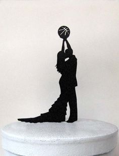 Wedding Cake Topper - Basketball wedding                                                                                                                                                                                 Plus