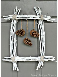 Clever wreath idea: update the dangling decorations by season or holiday!