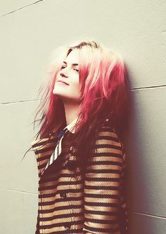 alison mosshart - oh how she's grown in the years since i knew her as the scrawny messy dreadlocked girl in the punk band Discount.