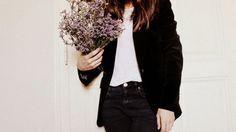 Black velvet jacket - exactly like mine Black Velvet Jacket, Velvet Blazer, Tumblr Photography, My Wardrobe, Makeup Tips, Leather Skirt, Bomber Jacket, Street Style, Style Inspiration