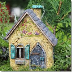 Close up image of Brookside Fairy Cottage