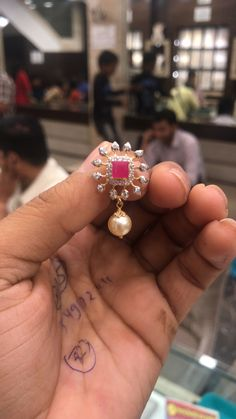 Tops 7 GMs  *PREMRAJ SHANTILAL JAIN JEWELLERS* Gold Earrings Designs, Gold Jewellery Design, Necklace Designs, Gold Jewelry Simple, Simple Earrings, Jewelry Patterns, Beaded Jewelry, Jewelery, Studs