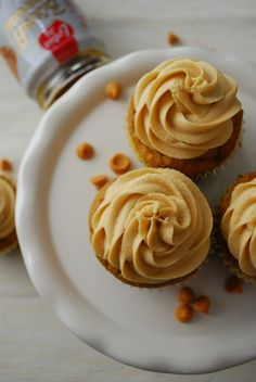 Pumpkin Butterscotch Cupcakes with Biscoff Marshmallow Frosting @Hayley Parker (The Domestic Rebel)