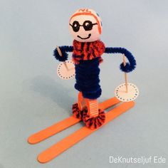 Make your own skier - winter sport - from clothespin and popsicle sticks Animal Crafts For Kids, Winter Crafts For Kids, Winter Kids, Winter Sports, Winter Wonderland Hyde Park, Draw A Snowman, Popsicle Sticks, Projects For Kids, Winter Olympics