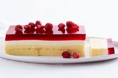 With layers of Madeira cake, custard, cream and jelly, this Christmas terrine tastes just like a traditional trifle but looks way more impressive! Trifle Cake, Cheesecake Trifle, Trifle Desserts, Trifle Recipe, Dessert Cups, Just Desserts, Delicious Desserts, Dessert Recipes, Dessert Ideas