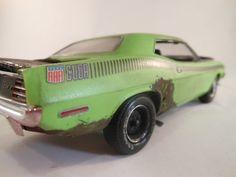 plymouth barracuda 1/24 scale model car in green