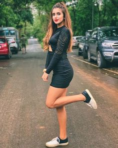 Our website help users to find best Social Groups and Loot offers. Diva Fashion, Ootd Fashion, Fashion Stylist, Fashion Photo, Fashion Models, Teen Models, Young Models, Stylish Girls Photos, Girl Photos