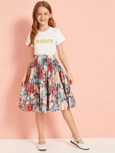Check out this Girls Letter Print Top & Floral Print Pleated Skirt Set on Shein and explore more to meet your fashion needs! Girls Fashion Clothes, Kids Outfits Girls, Cute Girl Outfits, Tween Fashion, Little Girl Dresses, Girls Dresses, Fashion Outfits, Mode Kpop, Outfit Sets