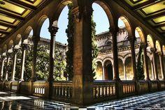 Universitat de Barcelona. Barcelona, Spain. Studied abroad here in college.