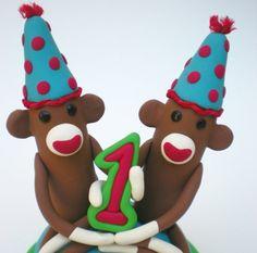 Marcipán figura ikrek tortájára, More monkeys - cake toppers!