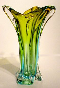 Modern Fused Glass art - Sea Glass art For Kids - Fused Glass art Scrap - Glass Art Design, Art Deco Glass, Sea Glass Art, Stained Glass Art, Glass Vase, Wood Glass, Cristal Art, Broken Glass Art, Crushed Glass