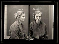 http://twistedsifter.com/2011/09/femme-fatales-35-vintage-female-mug-shots/