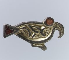 Anglo Saxon brooch. 500-550. Metropolitan Museum of Art