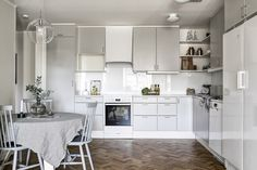 fastighetsbyran, http://trendesso.blogspot.sk/2016/03/wonderful-and-magical-swedish-apartment.html