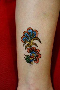 Henna & Glitter design on ankle
