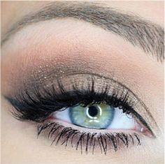 4.  so elegant and flattering.  perfect for a wedding day!! #velourlashes #velourpinterestgivaway