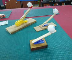 A Very Simple Catapult to Make With Kids crafts for kids for teens to make ideas crafts crafts Stem Projects, Projects For Kids, Fair Projects, Science For Kids, Games For Kids, Kids Fun, Children Games, Youth Games, Kid Games