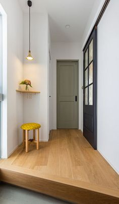 Interior Styling, Interior Decorating, Interior Design, Muji Style, Narrow Entryway, Pinterest Home, Japanese House, Beautiful Interiors, Cozy House