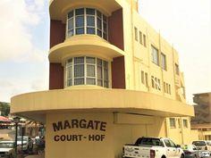 2 Bedroom Flat For Sale In Margate, Hibiscus Coast, Kwazulu Natal for R