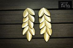 Fazendo Arte Bijuterias - Brinco Folheado Dourado com Folhinhas