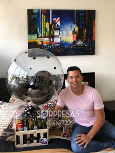 Una visita a la casa de Carlos Vega... 😉😘 Whatsapp: +57 3014136244 www.sorpresasatiempo.com  #balloon #beer #breakfast #man #gift #giftideas #giftshop Birthday Gifts For Boyfriend Diy, Creative Gifts For Boyfriend, Cute Boyfriend Gifts, Diy Gifts For Dad, Best Dad Gifts, Diy Gifts For Friends, Birthday Gifts For Best Friend, Boyfriend Anniversary Gifts, Happy Birthday Decor