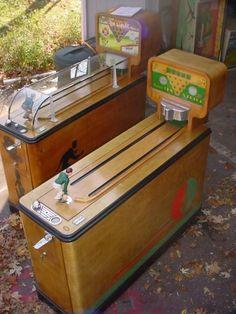 Evans Ten Strike 10 strike 1939-1953 manikin mannequin bowler bowling game Arcade Game Machines, Arcade Machine, Arcade Games, Vending Machines, Vintage Games, Vintage Toys, Pinball, Vintage Slot Machines, Penny Arcade