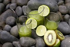 Kiwi, Wheatgrass, Lime and Mint Smoothie 4 Kiwi fruit 3 Tbsp Wheatgrass, (snipped) 2 Limes, (juice of) 2 tbsp Mint leaves cup Ice cubes 1 Apple juice Mint Smoothie, Smoothie Packs, Smoothie Blender, Easy Smoothie Recipes, Easy Smoothies, Fruit Smoothies, Spinach Nutrition Facts, Nutrition Tips, Cottage Cheese Nutrition