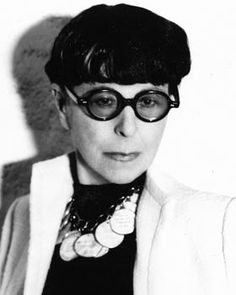 "Edith Head American costume designer, winner of eight Academy Awards (look familiar? the mad-scientist-inventor-costumer in Pixar's ""The Incredibles"" was based on Ms. Hollywood Star Walk, Hollywood Icons, Golden Age Of Hollywood, Old Hollywood, Hollywood Glamour, Classic Hollywood, Best Costume Design, Edna Mode, Edith Head"