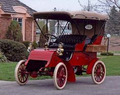 ✤ 1903 Cadillac Touring - (Cadillac Motors, Detroit, Michigan Date) American Classic Cars, Old Classic Cars, Us Cars, Sport Cars, Vintage Cars, Antique Cars, Vintage Auto, Convertible, Ford Company