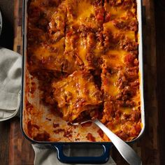 Bacon-Colby Lasagna Recipe -With both bacon and ground beef, this hearty dish is a real crowd-pleaser. The recipe came from my grandmother, now in her I've learned so much from helping her in the kitchen. Paula Deen, Quinoa, Beef Recipes, Cooking Recipes, Pasta Recipes, Lasagna Recipes, Noodle Recipes, Meatball Recipes, Italian Recipes