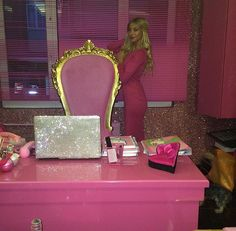 Glamour Queen's office space☆☆☆