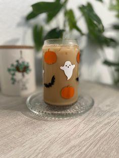 Halloween Shots, Halloween Cups, Halloween Vinyl, Bullet Journal Diy, Iced Coffee Cup, Coffee Cup Design, Vinyl Tumblers, Vinyl Gifts, Custom Cups
