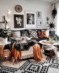Modern And Cozy Living Room Inspiration Ideas – Living room is a fundamental part of the house where we gather with our family. In that room we can have relaxed, chatting or any other entertainment…. Boho Living Room, Cozy Living Rooms, Living Room Interior, Apartment Living, Home And Living, Modern Living, Small Living, Decor For Living Room, Cozy Apartment