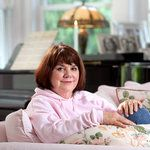 Linda Ronstadt Diagnosed With Parkinson's