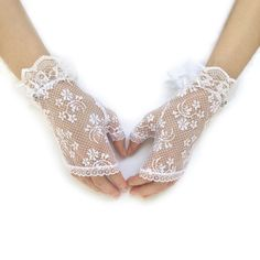 Lace Weddings, Wedding Lace, Fingerless Gloves, Separate, Shoes, Fashion, Accessories, Fingerless Mitts, Pull Apart