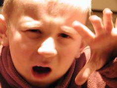 Mamiweb.de - Erziehung in der Trotzphase: Falsches Verhalten korrigieren, das richtige loben