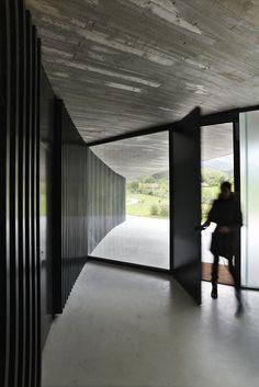 vivienda+hotel CAEaCLAVELES; La Pereda, Llanes, Asturias, Spain - longo+roldán arquitectos