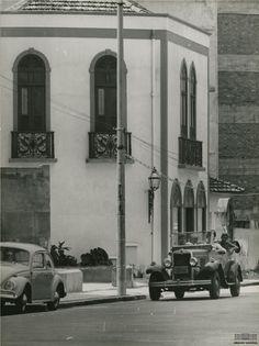 Carros em Ipanema, Rio de Janeiro, 1967. Arquivo Nacional. Fundo Correio da Manhã. BR_RJANRIO_PH_0_FOT_04735_051