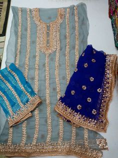 Get this suit designed at 09654717282 , Pehnaawa Punjabi Fashion, Muslim Fashion, Ethnic Fashion, Asian Fashion, Womens Fashion, Pakistani Formal Dresses, Pakistani Outfits, Indian Dresses, Indian Suits