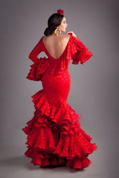 Spanish style – Mediterranean Home Decor Flamenco Costume, Dance Costumes, Flamenco Dresses, Spanish Dancer Costume, Spanish Dress Flamenco, Spanish Fashion, Spanish Style, Spanish Gypsy, Flamenco Wedding