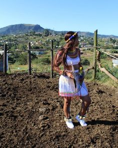 Zulu Traditional Attire, African Traditional Wear, Traditional Styles, Traditional Dresses, African Fashion Skirts, South African Fashion, African Fashion Designers, Africa Fashion, Diy Fashion
