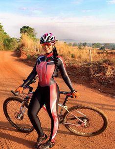 Cycling girls l pregnancy symptoms - Pregnancy Bicycle Women, Bicycle Girl, Cycling Lycra, Female Cyclist, Dresscode, Cycling Girls, Cycle Chic, Bike Style, Sporty Girls