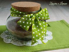 Avete un'amica che detesta cucinare? Ecco una simpaticaidea regalo commestibile.Basterà unire ingredienti liquidi per ottenere una golosa torta
