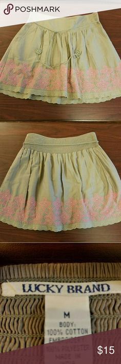 Cute Lucky Brand skirt Embroidered skirt with pockets. Lined Lucky Brand Skirts Circle & Skater