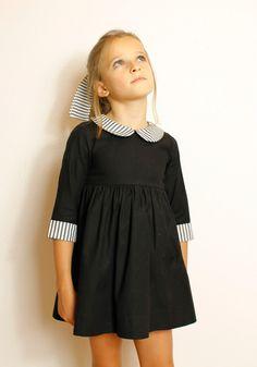 Vestido Isabel – Don Babero Little Girl Dresses, Little Girls, Girls Dresses, Baby Girl Fashion, Kids Fashion, Fashion Outfits, Vestidos Jumper, Nice Tops, Baby Dress