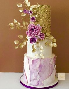 Natasja Sadi's Cakes Are So Gorgeous, It Will Break Your Heart To Eat Them - Pink floral wedding cake. Floral Wedding Cakes, White Wedding Cakes, Elegant Wedding Cakes, Floral Cake, Elegant Cakes, Wedding Cake Designs, Idee Baby Shower, Amazing Wedding Cakes, Unusual Wedding Cakes