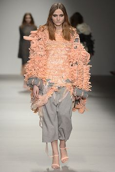 Hayley Grundmann (Central Saint Martins MA 2015) #LFW