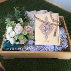 Wedding Gift Wrapping, Diy Wedding Favors, Wedding Gifts, Wedding Decorations, Flower Box Gift, Flower Boxes, Wedding Hamper, My Wedding Planner, Diy Home Crafts